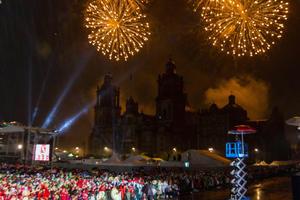 Un espectáculo pirotécnico se pudo apreciar en el Zócalo tras el Grito de Independencia.