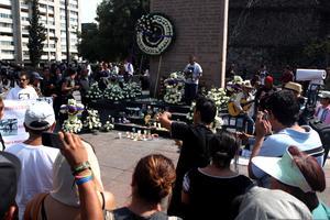 Miles de personas conmemoraron en la Plaza de las Tres Culturas la matanza de Tlatelolco.