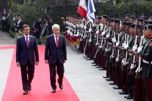 Los presidentes de México, Enrique Peña Nieto, y de Israel, Simón Peres, estrecharon hoy los lazos cooperación entre sus países con la firma de varios acuerdos en materia económica, científica, educativa, hídrica y de cooperación técnica.