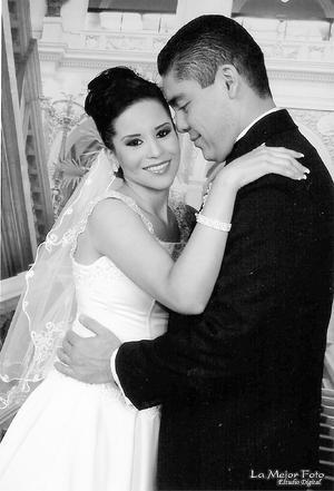LDG Lizeth Cardona Noriega e Ing. Diego Alejandro Félix Reyes se unieron en sagrado matrimonio.- La mejor foto Estudio Digital