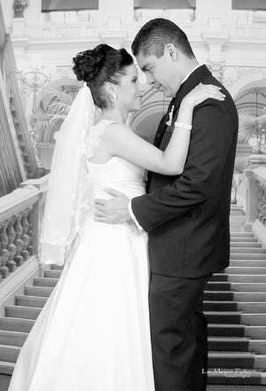 LDG Lizeth Cardona Noriega e Ing. Diego Alejandro Félix Reyes se juraron amor el día de su boda.- La mejor foto estudio digital
