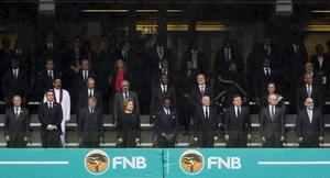 Cerca de un centenar de jefes de Estado y de Gobierno asistieron a la ceremonia, junto a las miles de personas presentes en el estadio, uno de los diez más grandes del planeta.
