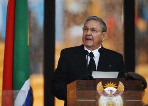 """""""Recuerdo su entrañable amistad con Fidel"""", dijo Castro, en referencia a la relación entre su hermano y Mandela."""