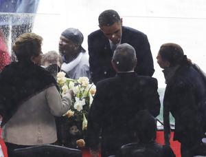 """Su vida """"trascendió las fronteras nacionales e inspiró a muchos para luchar por la independencia y la justicia social"""", agregó Rousseff, que manifestó que su país lleva """"con orgullo sangre africana"""" en sus venas."""