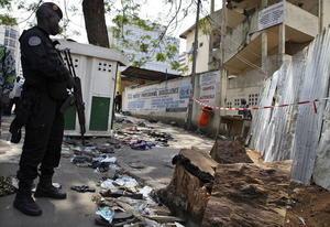 1 de enero. Tragedia |  Al menos 61 personas, en su mayoría jóvenes, murieron cuando una multitud se aglomeró tras un espectáculo pirotécnico realizado con motivo del Año Nuevo en un centro comercial de Abiyán, Costa de Marfil.