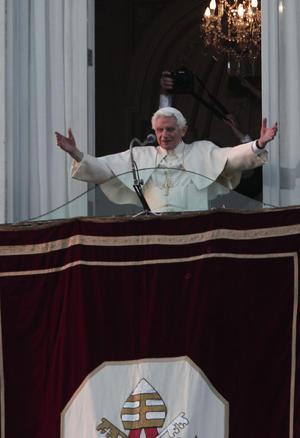 28 de febrero. Renuncia | El entonces papa Benedicto XVI renuncia al pontificado en un hecho que no ocurría desde el año 1415.