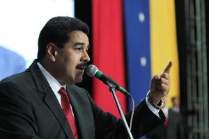 14 de abril. Elecciones | Se celebran en Venezuela las elecciones presidenciales para elegir al nuevo presidente de la República tras el fallecimiento de Hugo Chávez, vence Nicolás Maduro con el 50.75% de los votos.