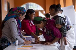 7 de julio. Elecciones | Se realizan elecciones estatales en Baja California, Chihuahua, Oaxaca, Puebla, Quintana Roo, Sinaloa y Tamaulipas.