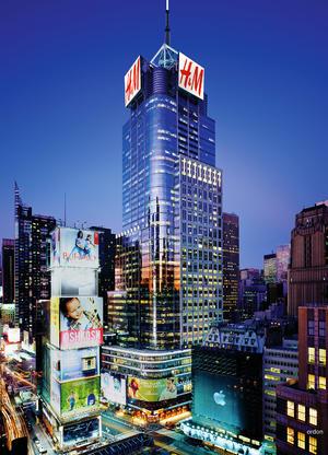 Uno de los lugares más emblemáticos de Nueva York es el Times Square, que cautiva la atención mundial cuando realiza sus grandes desfiles y aparece destrozado en películas taquilleras.