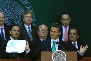 """Señaló que será """"fundamental para el futuro de los mexicanos"""" porque """"iniciará una nueva etapa para el desarrollo del país""""."""