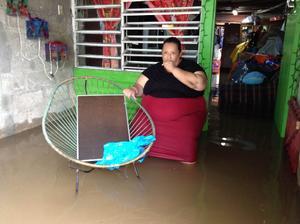 Las lluvias torrenciales ocasionaron inundaciones  con tirantes de entre 30 y 1.30 centímetros.