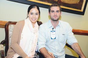 EN RECIENTE EVENTO.  Mariana y Eduardo.