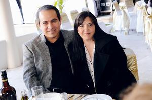 ASISTEN A BANQUETE NUPCIAL.  Sergio y Clara.