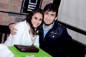 Laura y Adrián.