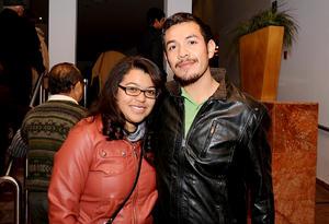 EN PAREJA.  Cynthia y Gerardo.