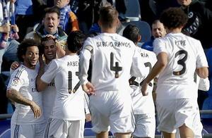 De esta manera el Real Madrid no cede el paso por el título de liga junto al Barcelona y el Atlético de Madrid. Los tres equipos comparten el liderato con 57 unidades.