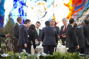 Tras la fotografía oficial, los mandatarios sostuvieron una comida de trabajo en el Cosmovitral de Toluca.