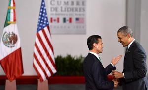 Enrique Peña Nieto le dio la bienvenida a Barack Obama en el Palacio de Gobierno de Toluca.