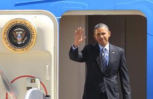 En el aeropuerto lo recibió el secretario de Relaciones Exteriores, José Antonio Meade, y se dirigió después al Palacio de Gobierno.