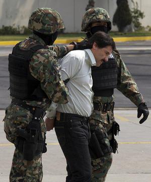 El procurador general de la república, Jesús Murillo Karam, confirmó la detención del narcotraficante e indicó que esta se realizó sin efectuar disparo alguno.