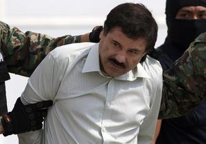 """Joaquín Guzmán Loera, alias """"El Chapo"""", identificado como líder del cártel de Sinaloa o del Pacífico y calificado como uno de los mayores narcotraficantes del mundo, fue detenido tras un operativo de la Marina y la DEA en Mazatlán."""