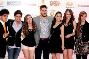 Se revelaron ya a los nominados para la entrega de los premios TVyNovelas 2014 en un evento en que distintas personalidades del espectáculo mexicano acudieron y desfilaron por una alfombra roja. El productor Pedro Ortíz de Pinedo junto al elenco de la serie juvenil la CQ acudieron al evento.