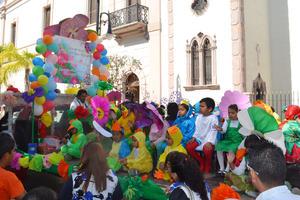 Con mensajes para promover los valores se llevó a cabo el tradicional Desfile de la Primavera en Ciudad Jardín.