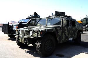 Unidades blindadas y artilladas. Las nuevas tecnologías con las que trabajan las fuerzas armadas, en las áreas de Infantería, Caballería, Artillería, ingenieros, armas blindadas,  entre otros, a la vista.