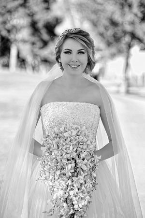 Estefanía Dingler Rivera muy feliz el día que unirá su vida en matrimonio a la de Jesús Iván Palazuelos Palazuelos.