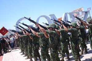 Un desfile militar y Cabalgata Revolucionaria recorrió las calles de Comarca para conmemorar el centenario de las batallas de La Laguna.