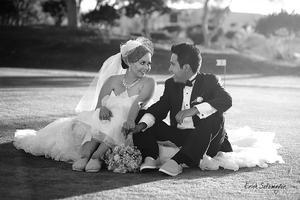 Srita. Fanny Cristina Sotomayor Ruiz y Gerson Arturo Martínez Rangel luciendo muy felices  el día de su boda.- ɉrick Sotomayor Fotografía
