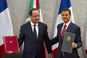 Los presidentes de Francia, Francois Hollande, y de México, Enrique Peña Nieto, firmaron acuerdos en materia de seguridad pública, finanzas, aeronáutica y energía.