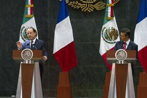 40410080. México, DF.- El presidente Enrique Peña Nieto y  mandatario francés, Francois Hollande firmaron documentos y hablaron con los medios de comunicación. NOTIMEX/FOTO/CARLOS PEREDA MCIÑO/CPM/