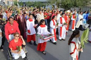 Ahí el Obispo ofició una misa y con ello se dio inicio a las celebraciones de la Semana Mayor.