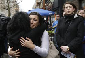 Familiares de las víctimas no pudieron dejar de demostrar su todavía sentimiento de dolor por la tragedia, pero a la vez dieron prueba de su fortaleza para salir avante.
