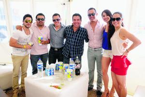 Javier, David, Pedro, Mauricio, Diego, Ale y Cynthia.