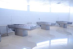 Las nuevas instalaciones están casi listas, por lo que Sergio González Machado, presidente de la CMIC y vocero del GEL, señaló que se ha insistido en que se eche a andar este edificio y solicitado el cierre total de las instalaciones destinadas a ello en el Hospital Universitario, que no son las adecuadas.