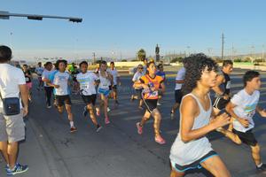 Más de 400 personas participaron además en la carrera '5 Kanoniza'.