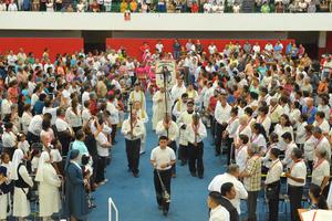 El acto de fe fue presidido por el obispo de la Diócesis de Torreón, José Guadalupe Galván Galindo.