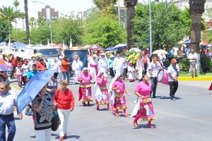 Grupos de danzantes se hicieron presentes en la peregrinación.