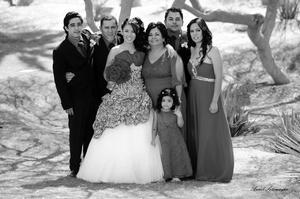 01062014 Ana Valeria Ramírez Ávila acompañada de su familia en tan emotivo evento. -  Annel Sotomayor Fotografía