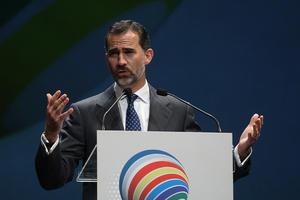 Con el anuncio, se inicia el proceso para transmitir la corona al príncipe de Asturias, Felipe de Borbón.