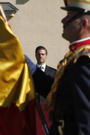 El acto tuvo lugar en el Palacio del Pardo, próximo a Madrid, residencia oficial de los jefes de Estado que visitan España.