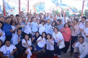 El presidente del CEN panista, Gustavo Madero, visitó Torreón para brindar su apoyo a los candidatos a diputados locales.