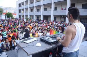 Un fiesta vivieron los participantes en la séptima marcha por el Orgullo Gay en Torreón.