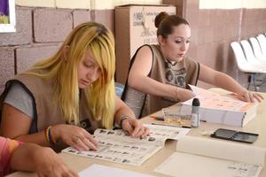 Funcionarios de casilla han realizado su labor durante la jornada electoral.
