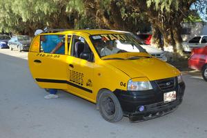 """El candidato del Partido del Trabajo, Efrén Agüero, denunció que ha habido """"acarreo"""" de votantes que han llegado a las casillas en grupo, en varios taxis y vehículos."""