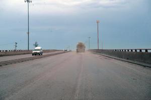 No respetan los límites de velocidad, sobre todo los tráileres y camiones de carga.