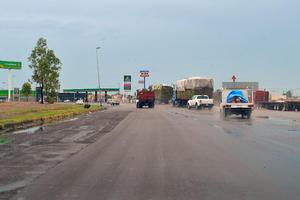 Las rayas blancas no están marcadas, en Gómez Palacio, para delimitar los carriles.