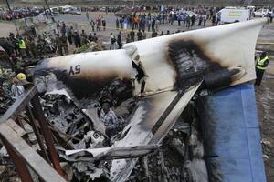 Otro de los accidentes ocurridos en este mes de julio se registró el día 2, cuando fallecieron cuatro personas después de que un Fokker 50 de carga se estrellase contra dos edificios comerciales de Nairobi.